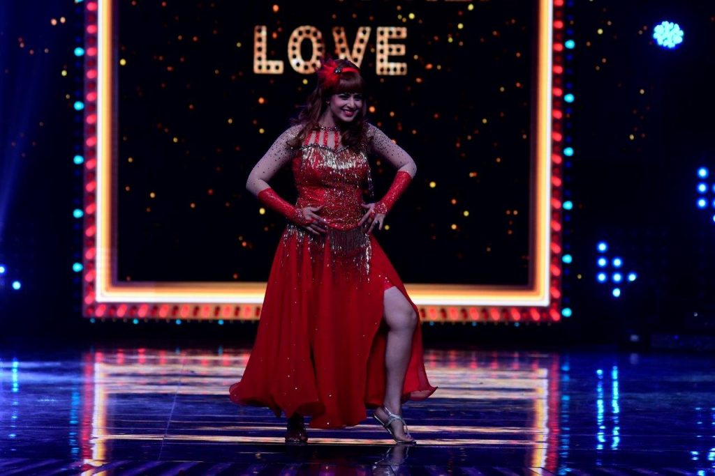 divyanka-tripathi-as-helen-on-the-sets-of-nach-baliye-2