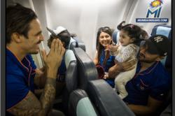 Photos of Mitchell Johnson playing with Harbhajan Singh's daughter are winning the Internet