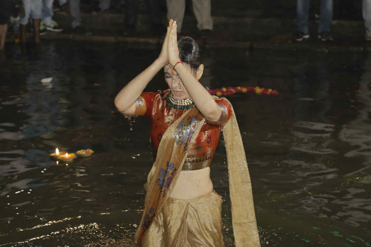 Kangana Ranaut taking a dip at Ganges