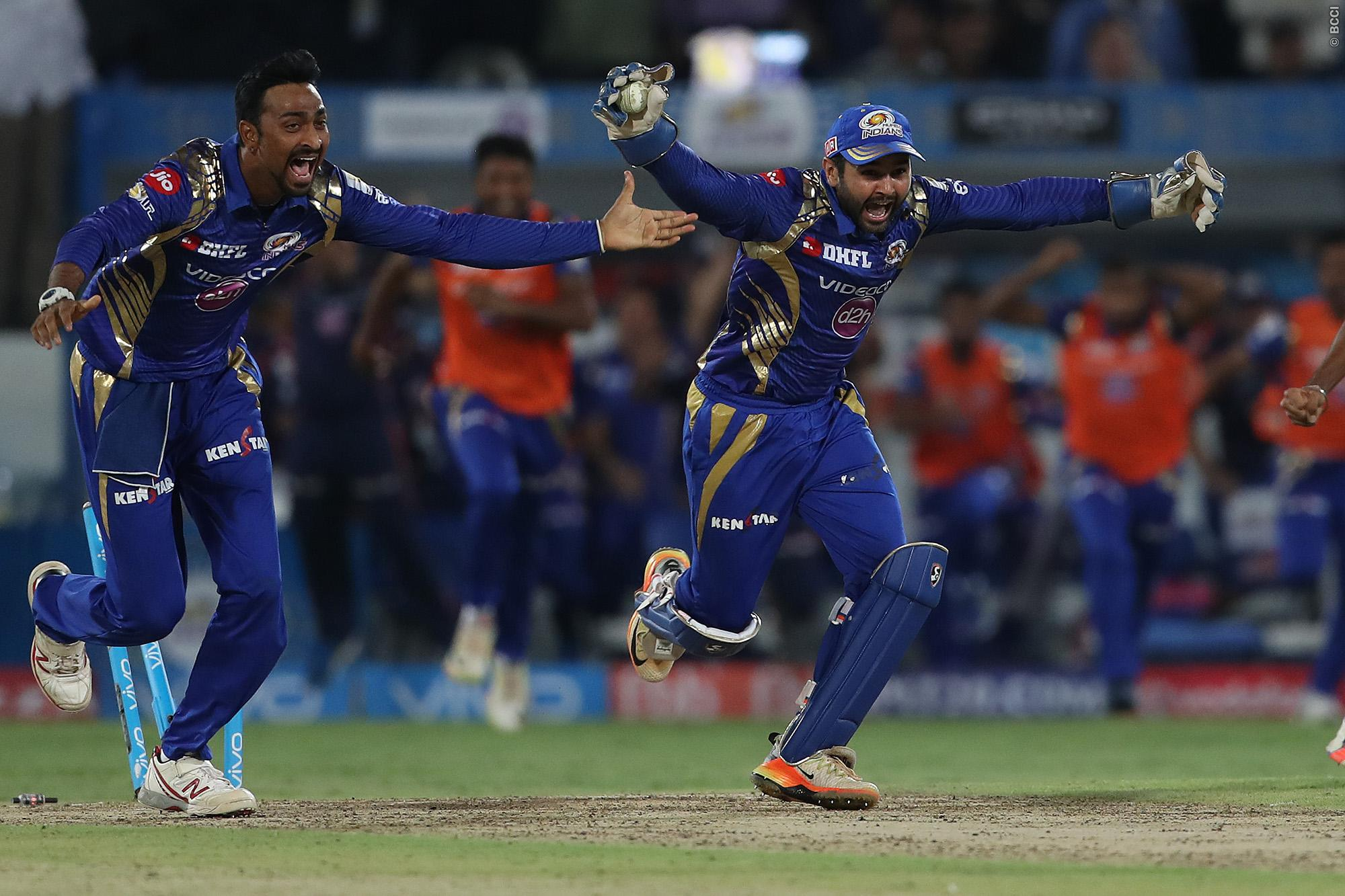 IPL 2017 Final, MI lift trophy, MI win IPl 2017, MI wins IPl 2017