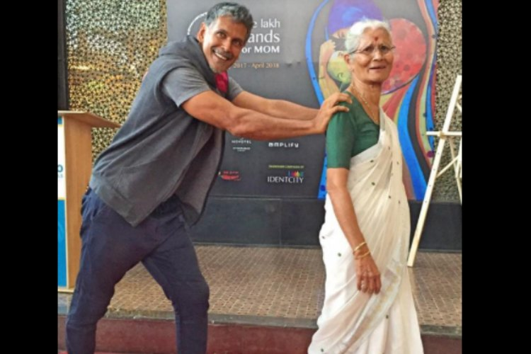 Milind Soman's 78-year-old mother does a plank for 80 seconds