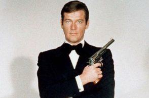 Roger Moore, James Bond