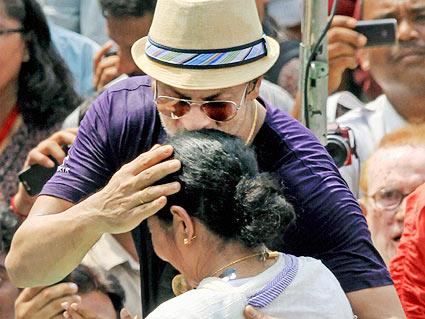 Shah Rukh Khan, Mamata Banejee
