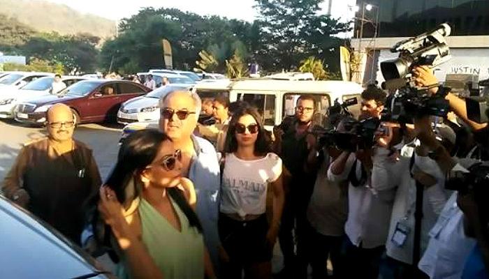 Sridevi, Boney Kapoor and Khushi Kapoor at Justin Bieber concert