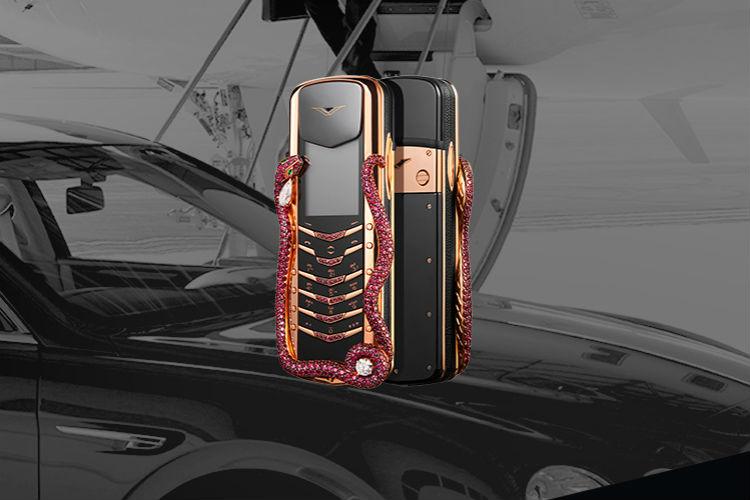 This feature phone by Vertu costs a whopping Rs 2.3 crore