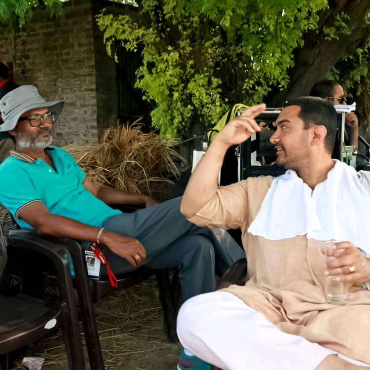 Aamir Khan's Facebook DP with director Nitesh Tiwari