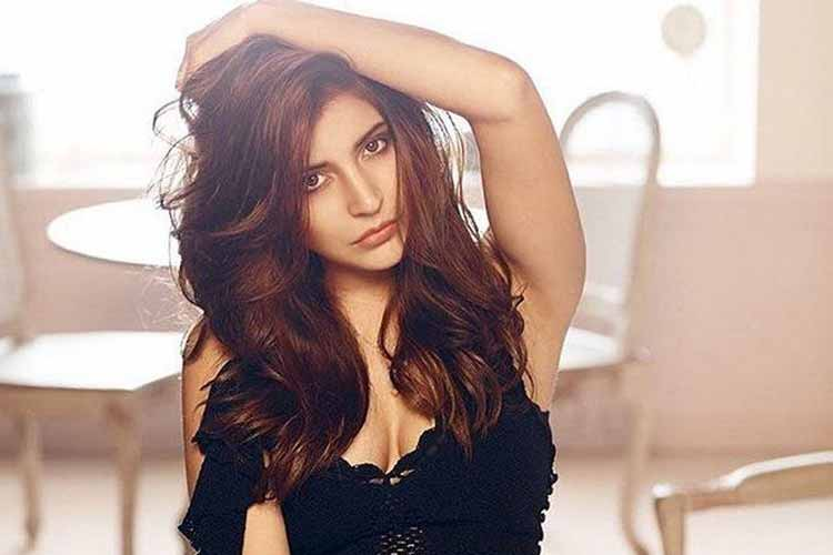 Anushka Sharma hot and sexy photo