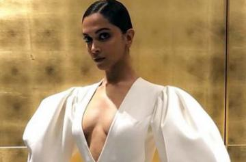 Deepika padukone hot and sexy photo