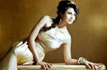 Divyanka Tripathi hot and sexy photo