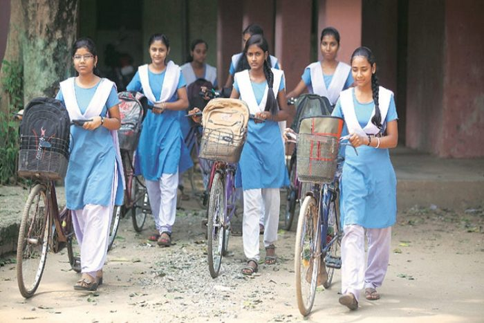 haryana-school-girls-express-photo-for-inuth