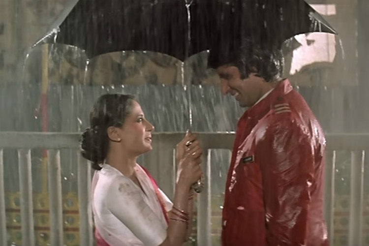Amitabh Bachchan and Smita Patil in Namak Halaal