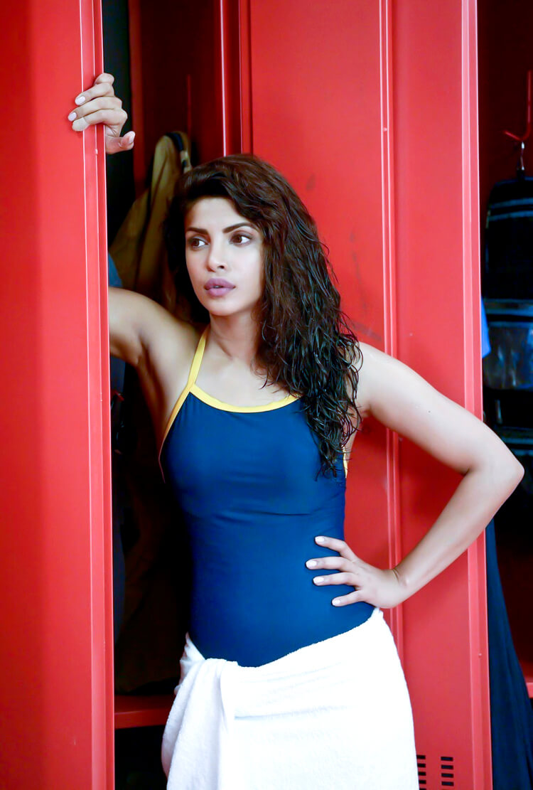 Sexy Priyanka Chopra in bikini