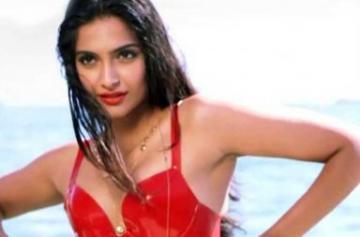 Sonam Kapoor bikini photos