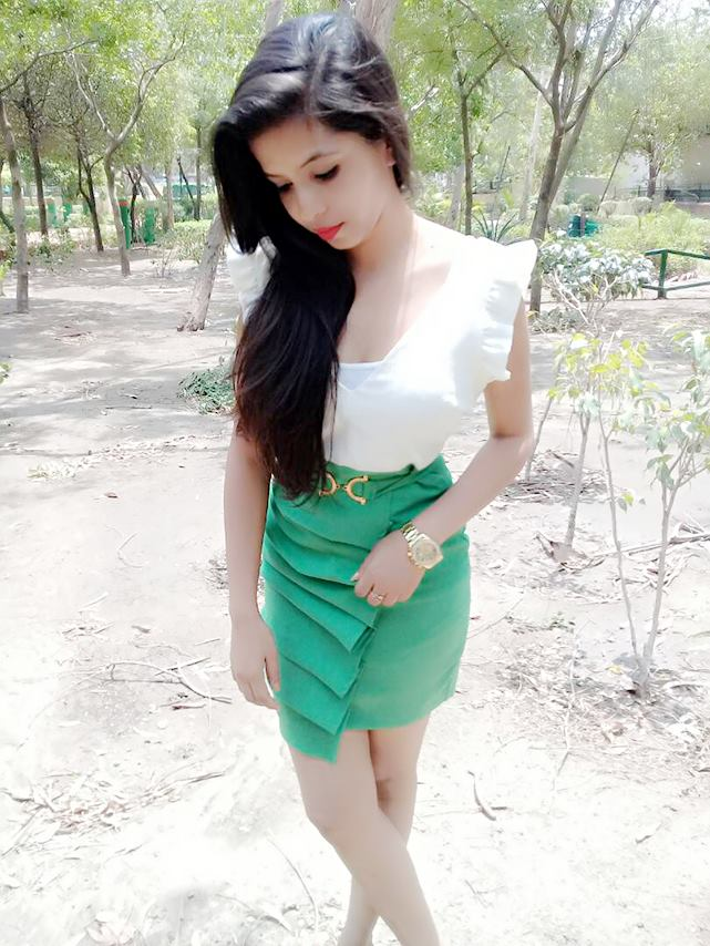 Dhinchak Pooja photos, songs, Wiki link, interview, real name
