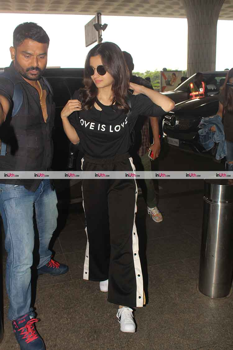 Alia Bhatt's cool athleisure look for airport