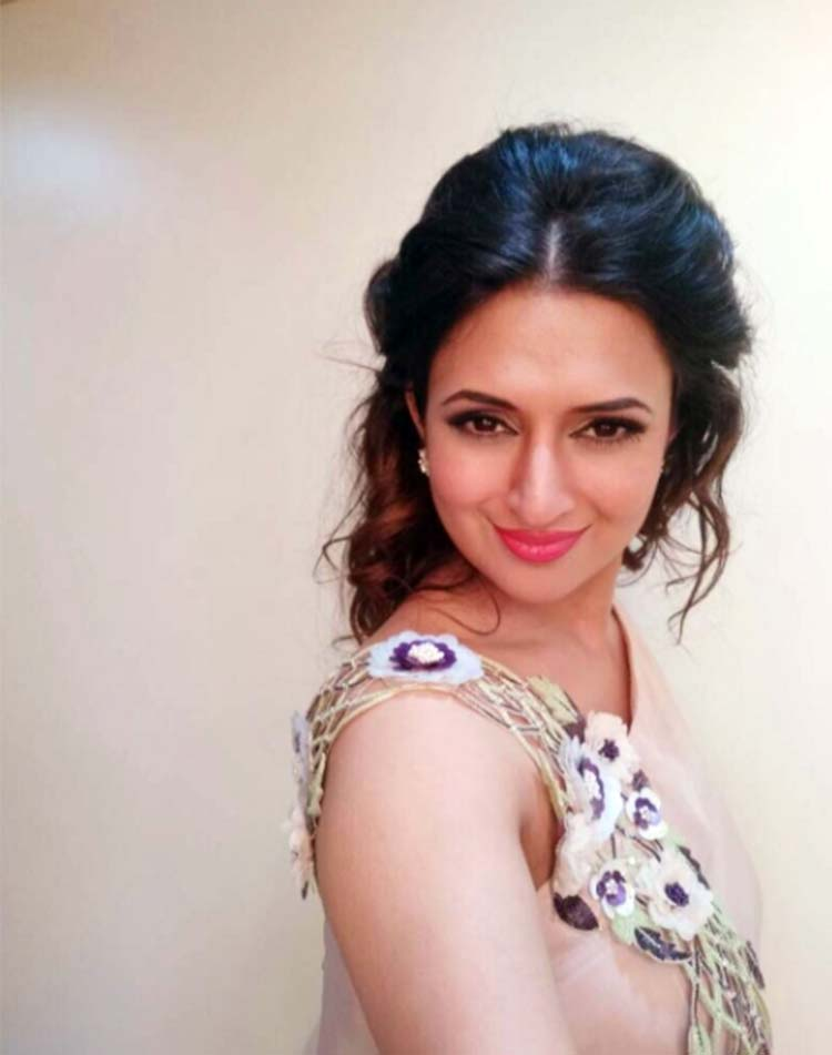 Divyanka Tripathi and her Greek princess hairstyle