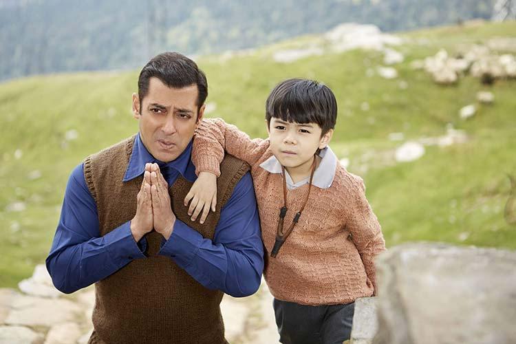 Salman Khan with his Tubelight child star Matin Rey Tangu