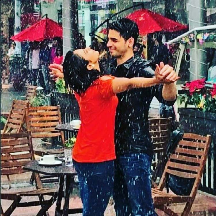 Sidharth Malhotra, Rakul Preet Singh shoot for a rain song in Gurugram
