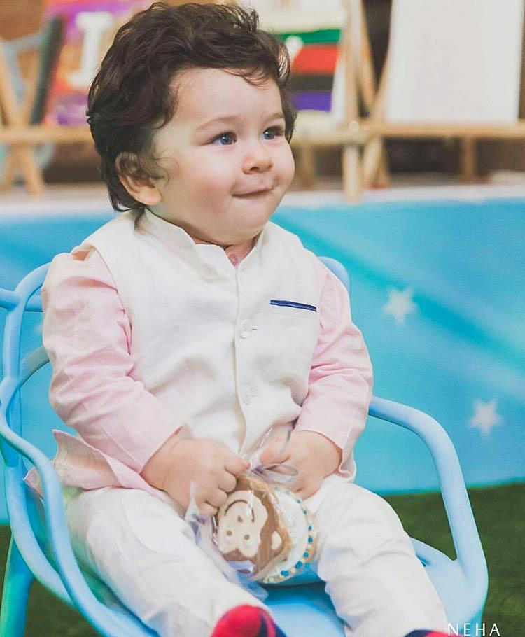 Taimur's cuteness in this pic is heart melting