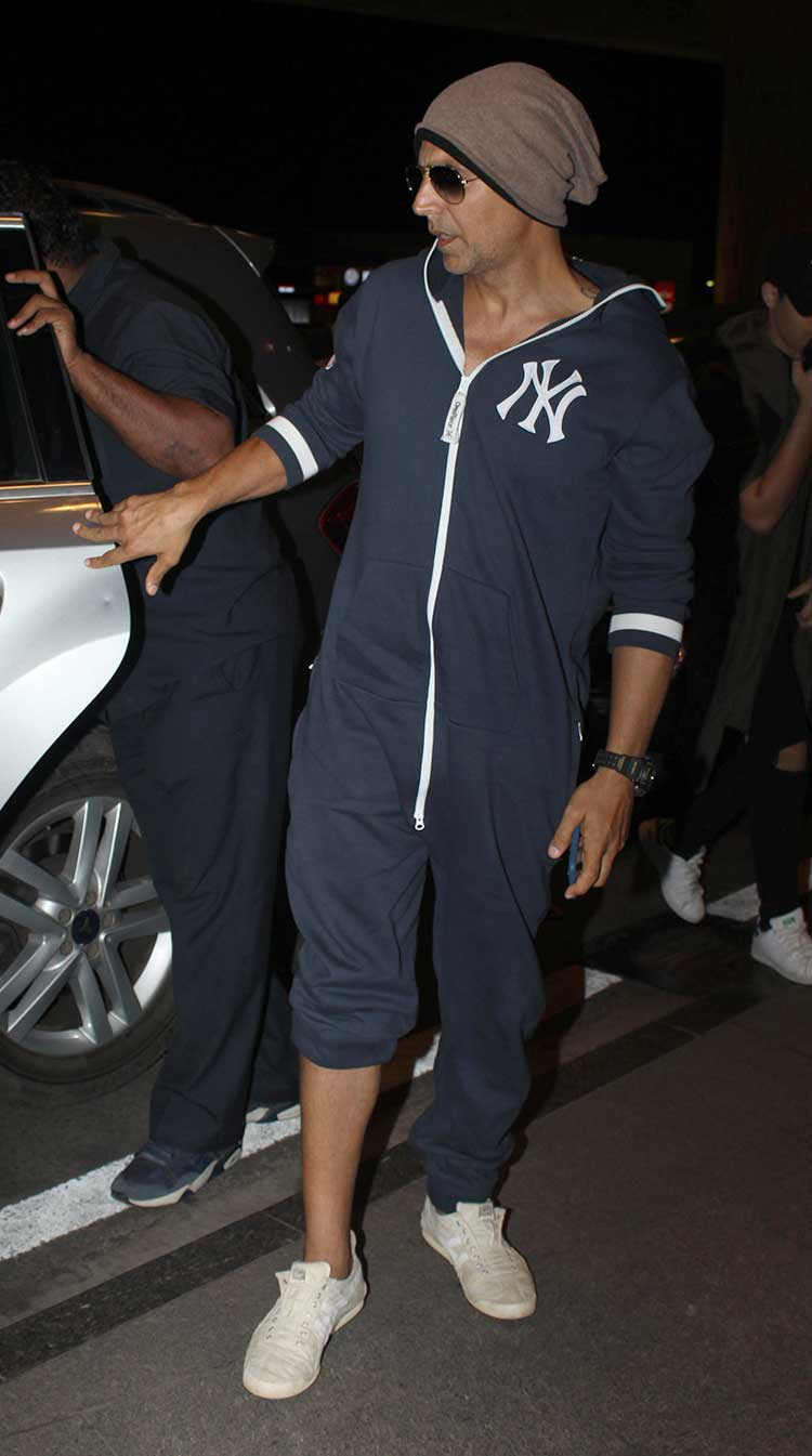 Akshay Kumar leaves for Florida