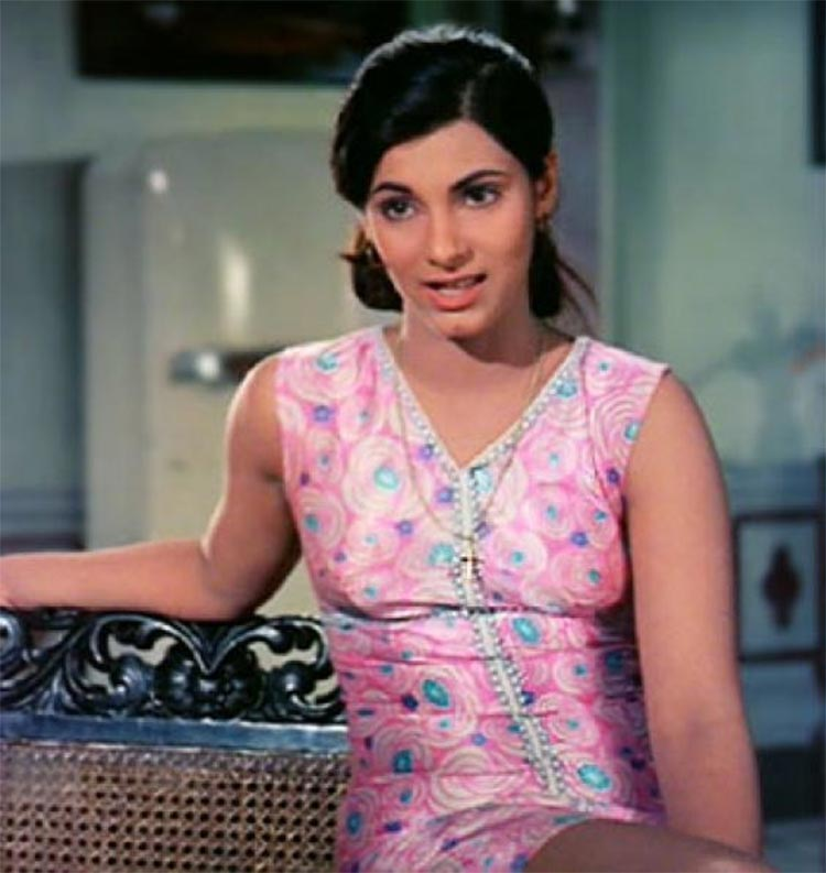Not deceived Sexy pictures of dimple kapadia was