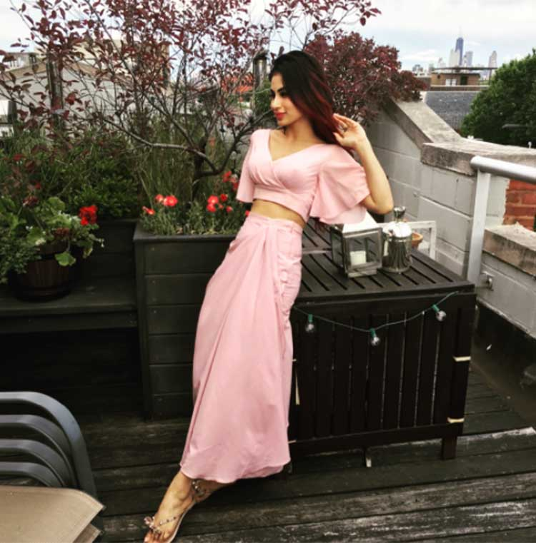 Mouni Roy enjoying her vacation in Chicago
