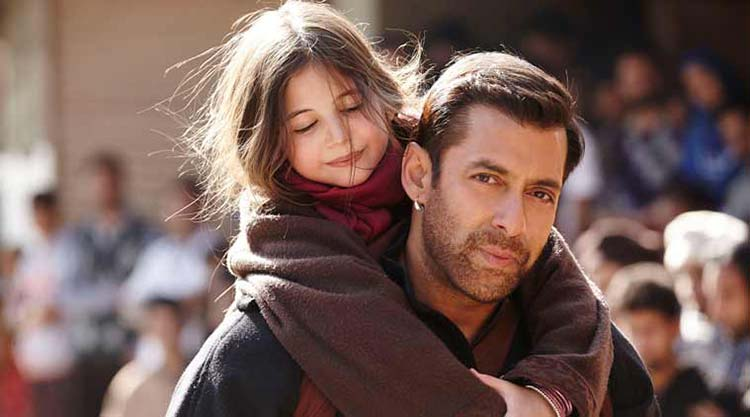 Salman Khan with his Bajrangi Bhaijaan co-star Harshali Malhotra