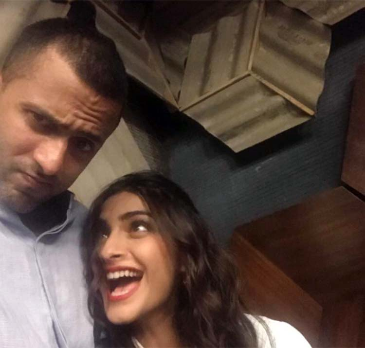 Sonam Kapoor and Anand Ahuja go goofy