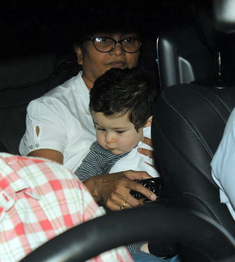 Taimur Ali Khan is the cutest person ever and this pic is the proof