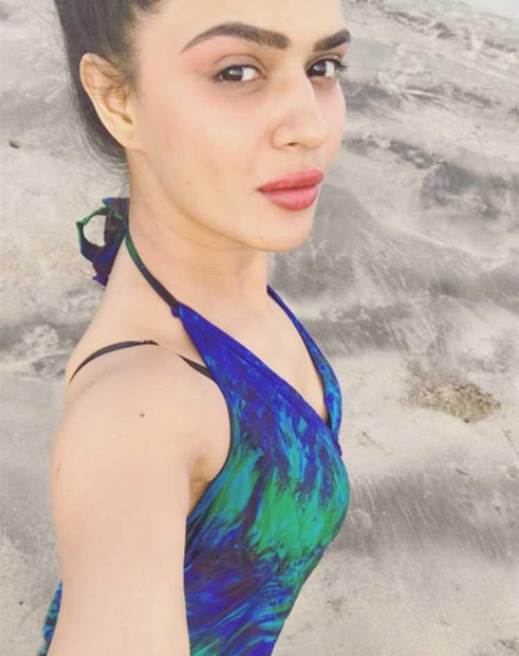 Aashka Goradias Sexy Selfie From The Beach In Goa  Aashka Goradia Is Unwinding With -2788