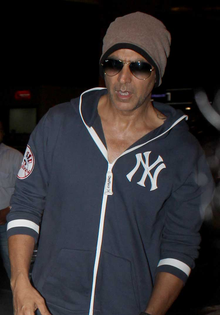 Akshay Kumar at Mumbai airport