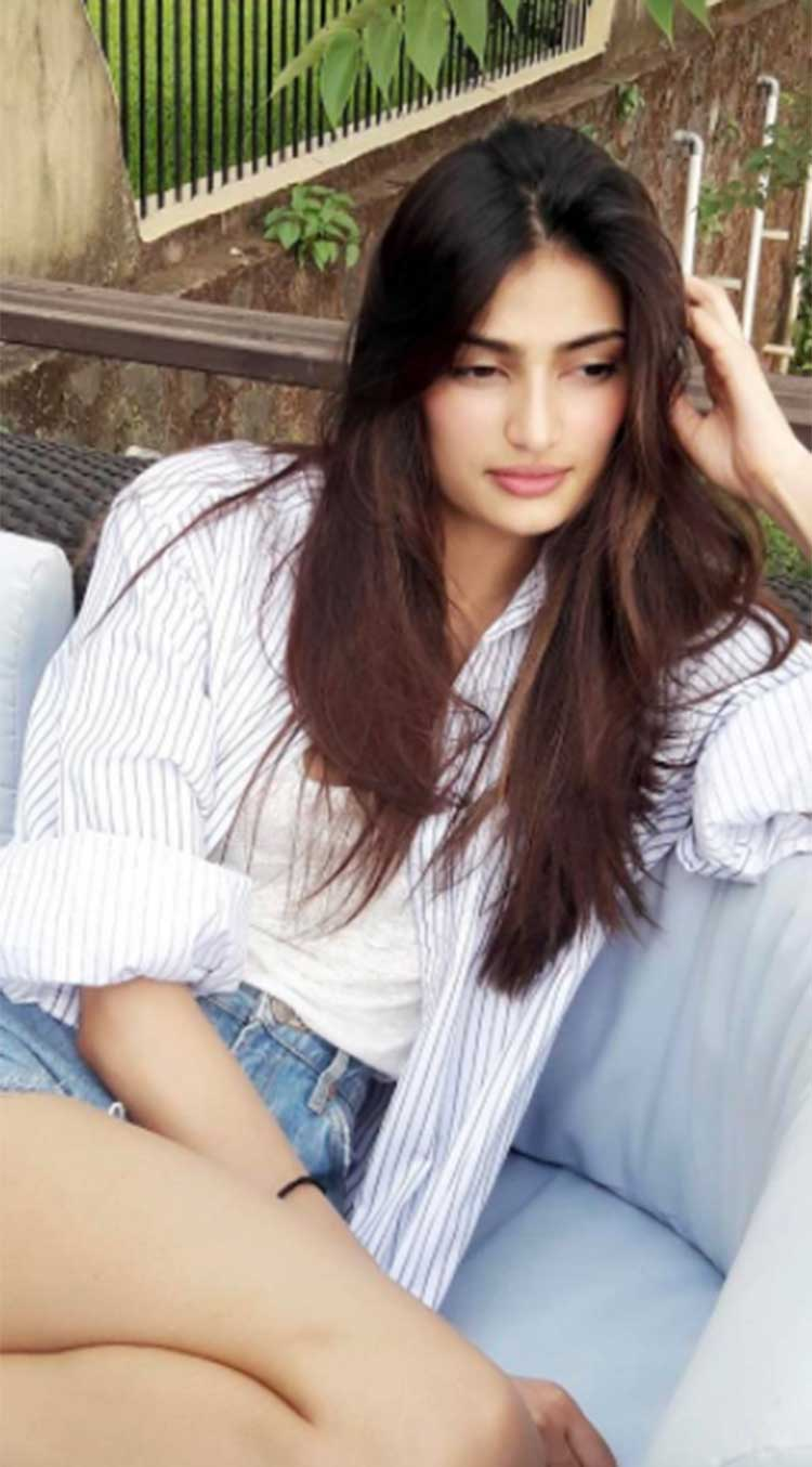 Athiya Shetty and summers are best friends