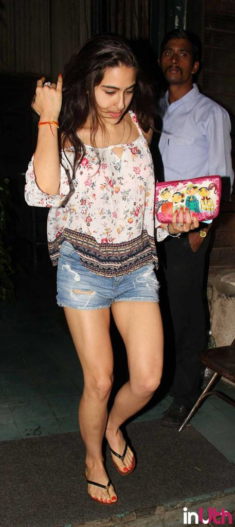 Sara Ali Khan goes for a night out with friends
