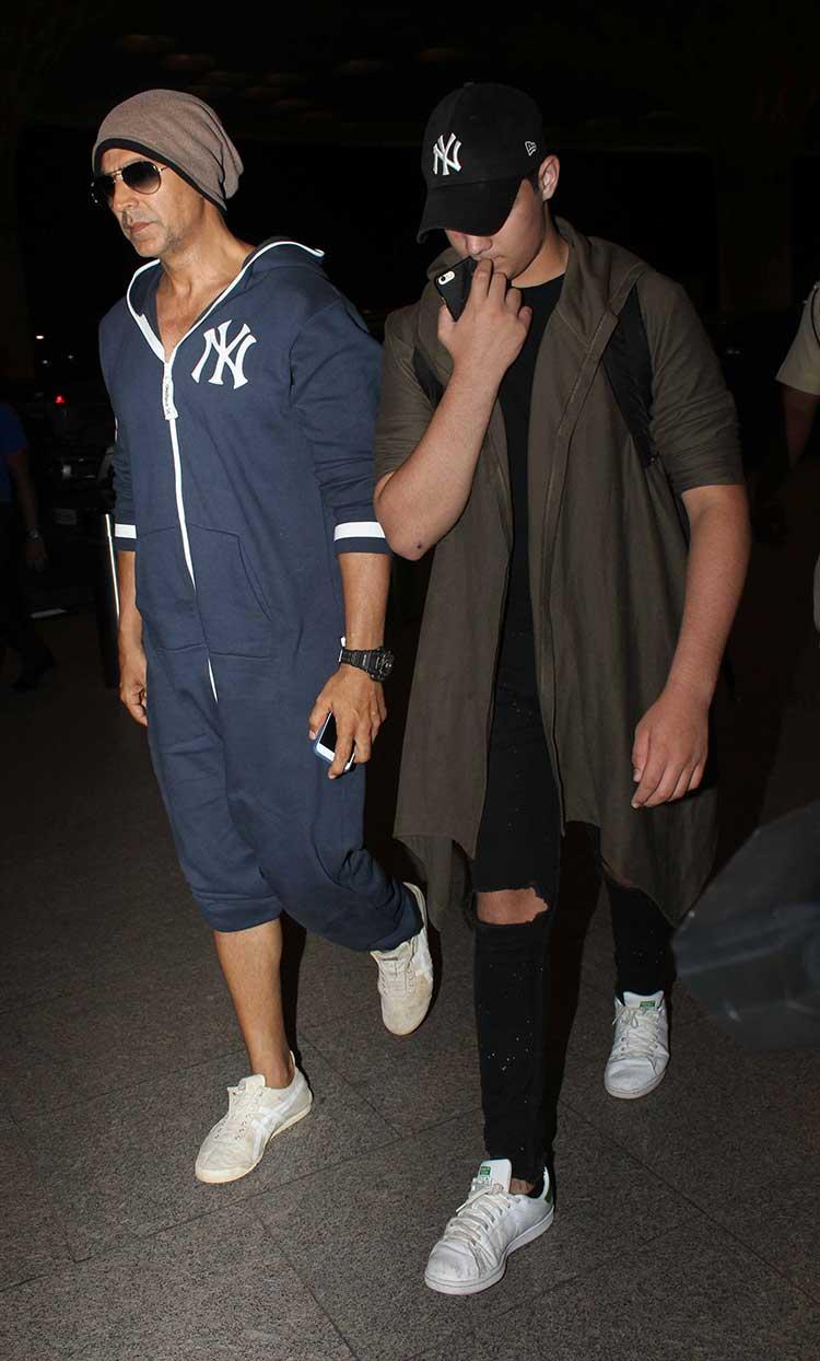 Akshay Kumar with son Aarav at Mumbai airport