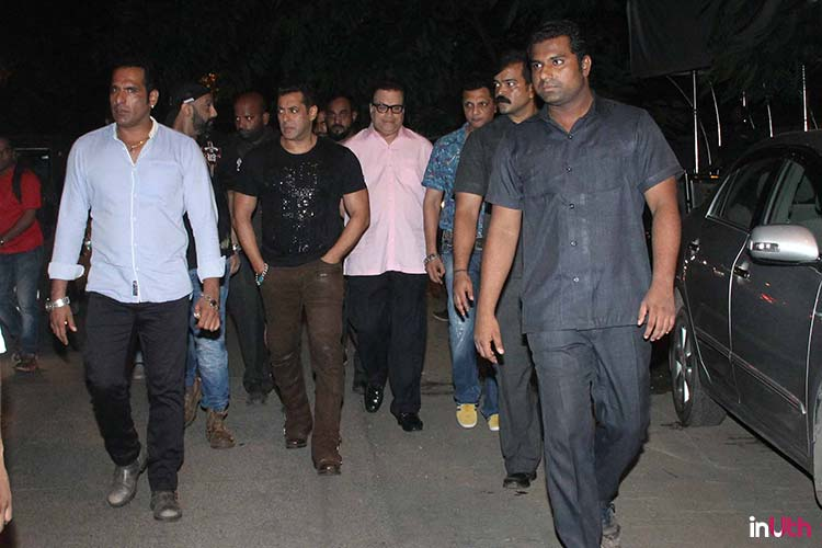 Salman Khan leaving the Mehboob studios