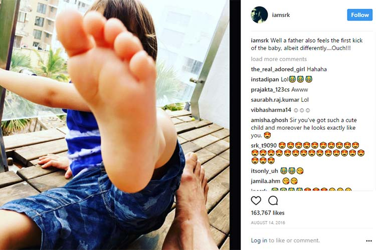 Shah Rukh Khan feels the first kick of his baby AbRam