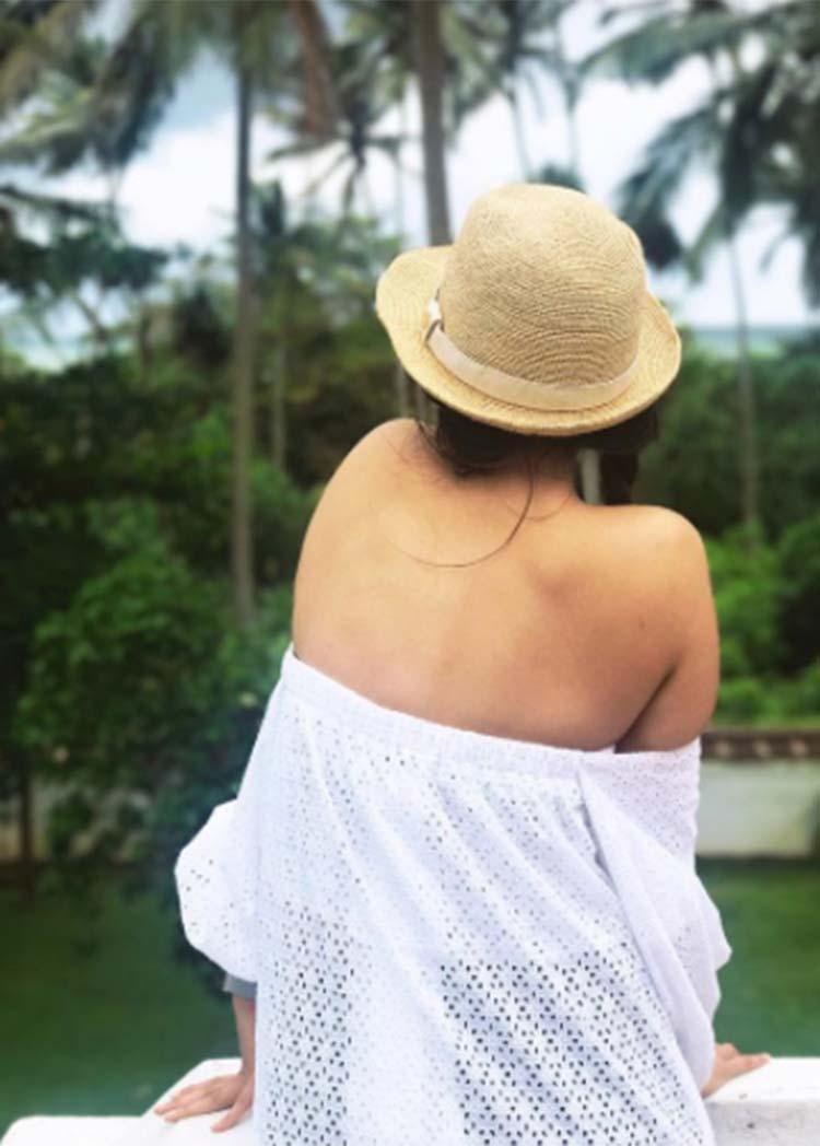 Sonam Kapoor enjoying her vacation in Sri Lanka