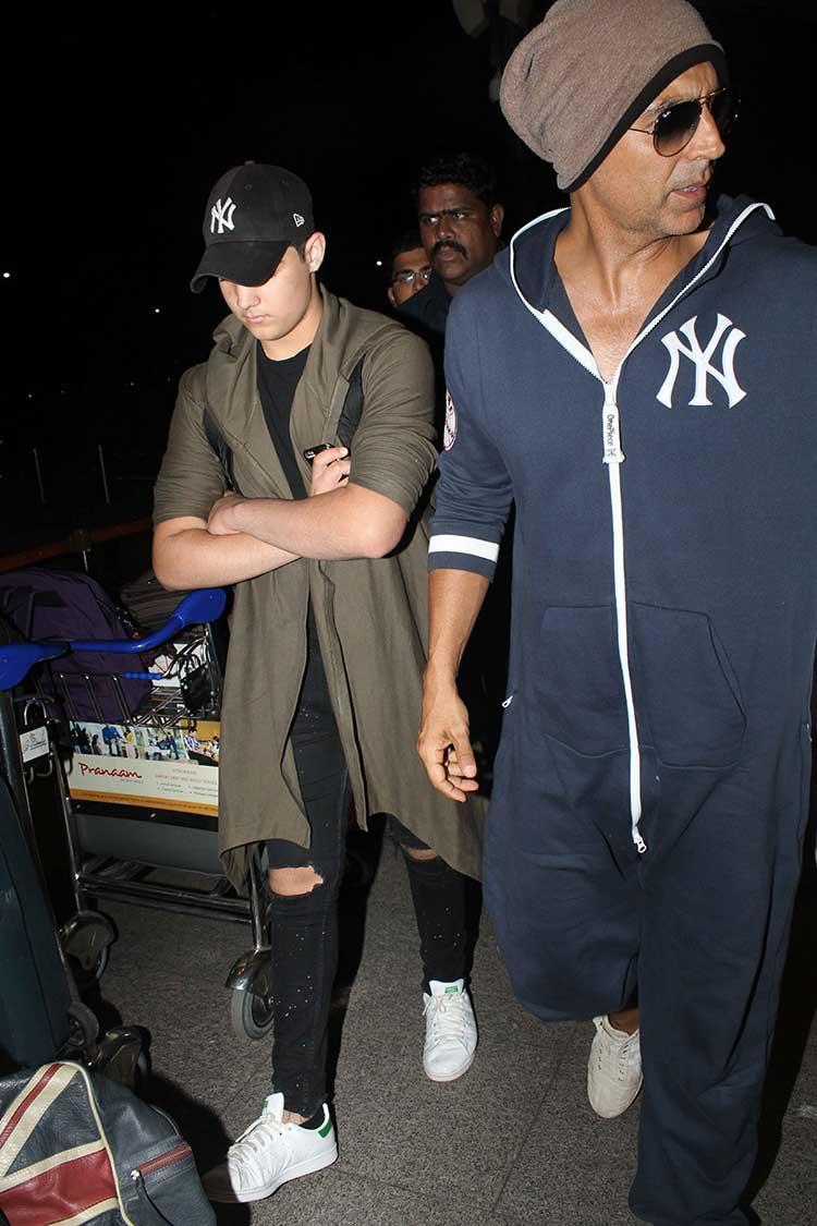 Akshay Kumar and Aarav leave for Florida