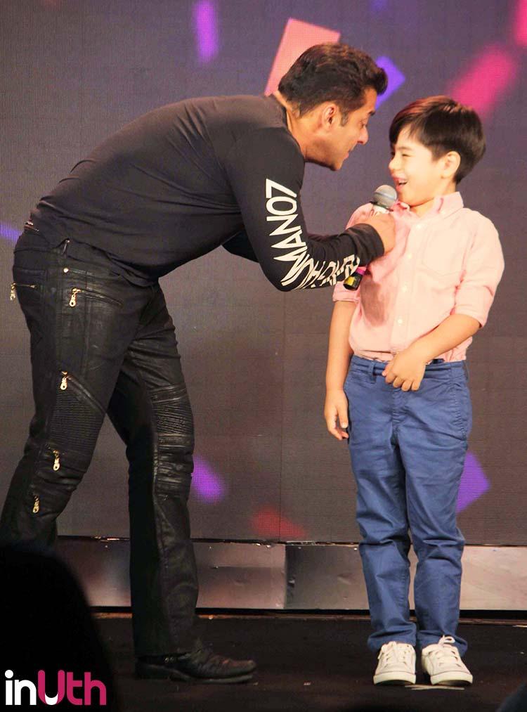 Salman Khan having fun with Matin Rey Tangu during Tubelight promotions