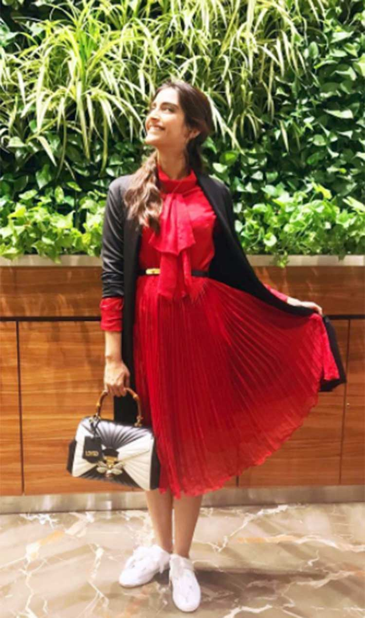 Sonam Kapoor in her fabulous travel style