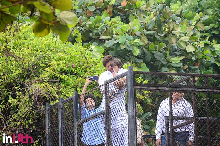 AbRam greeting Shah Rukh Khan's fans on Eid