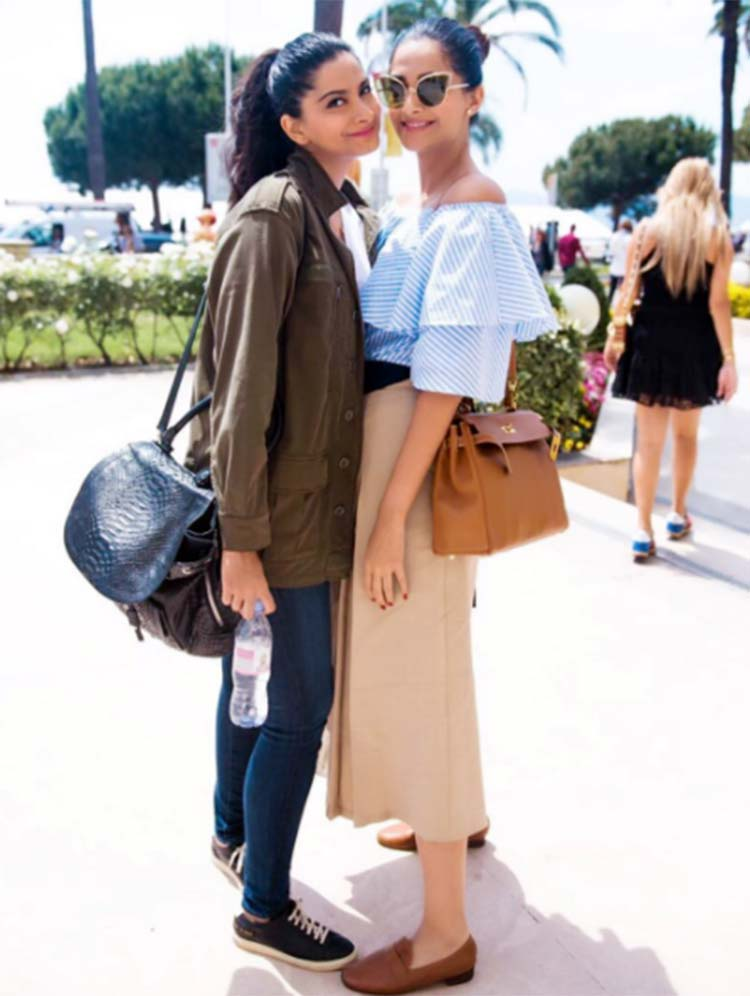 Sonam Kapoor chilling out with Rhea Kapoor