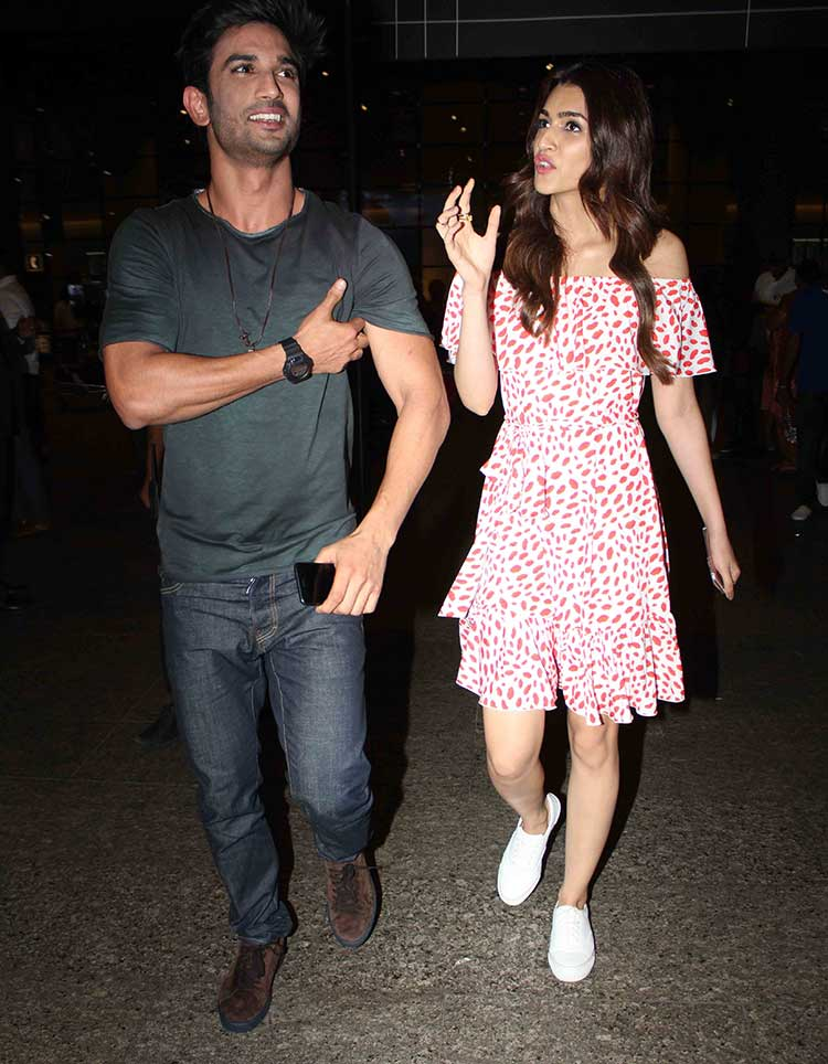 Sushant Singh Rajput and Kriti Sanon spotted together