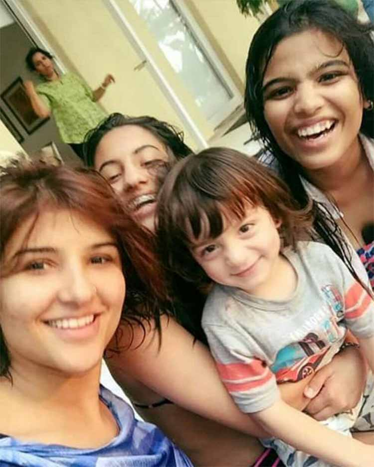 AbRam Khan is already surrounded by beautiful chics