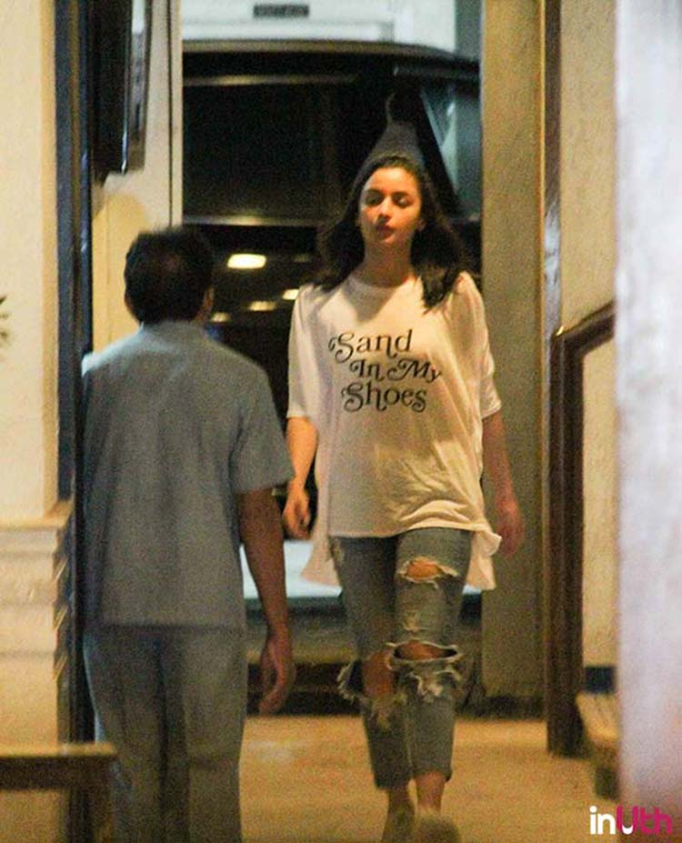Alia Bhat spotted at Sidharth Malhotra's house