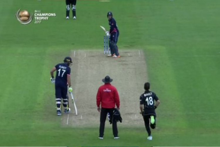 ICC Champions Trophy 2017: Jos Buttler hits the weirdest shot of the year for six! [Watch Video]