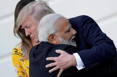 PM Narendra modi hugs US Prez Donald Trump