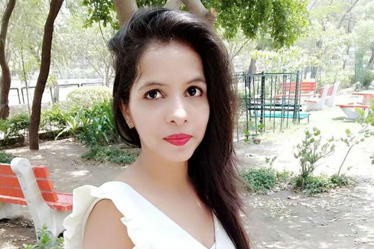 Dhinchak Pooja, Selfie Maine Le Li Aaj