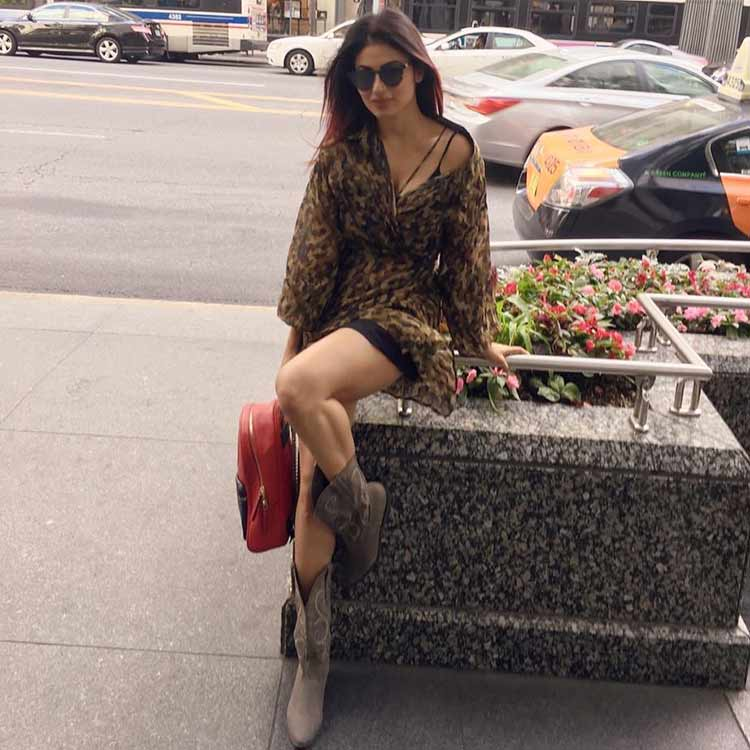 Mouni Roy having a svelte time in Chicago