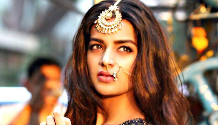 Nidhhi Agerwal, hot photo, Munna Michael actress